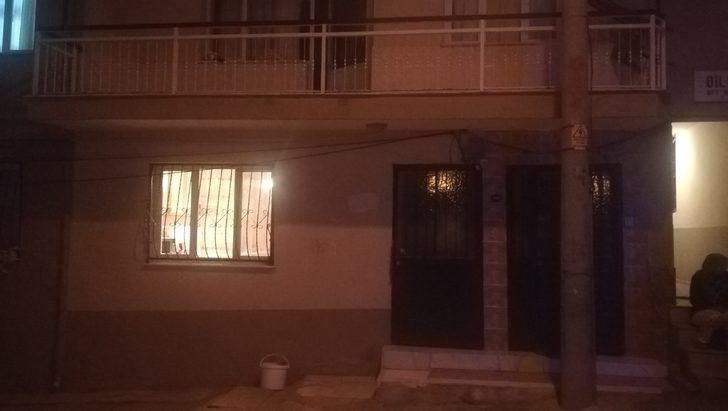 İzmir'de korku dolu gece! İçinde çocukların da olduğu eve silahlı saldırı