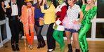 Bu 7 arkadaşın Cadılar Bayramı geleneği görenleri büyülüyor!