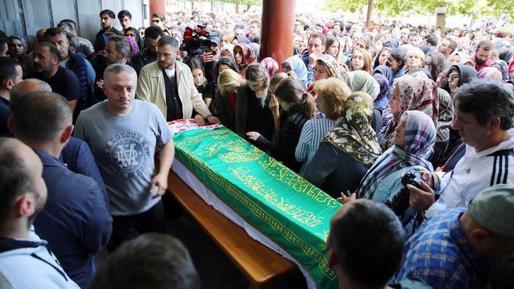 Neslican Tay'ın cenazesi Rize'de toprağa verildi