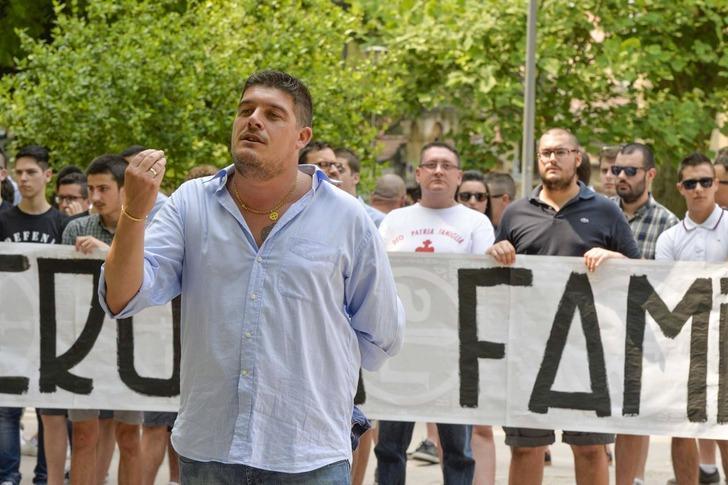 Balotelli'ye ırkçı hakarette bulunan tribün liderine ceza