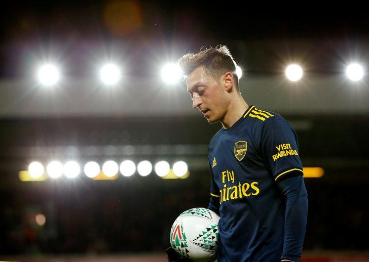 Nicklas Bendtner: Mesut Özil gece hayatına düşkündü!