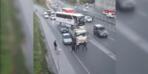 Trafikte sopalı kavga! Saniye saniye kamerada