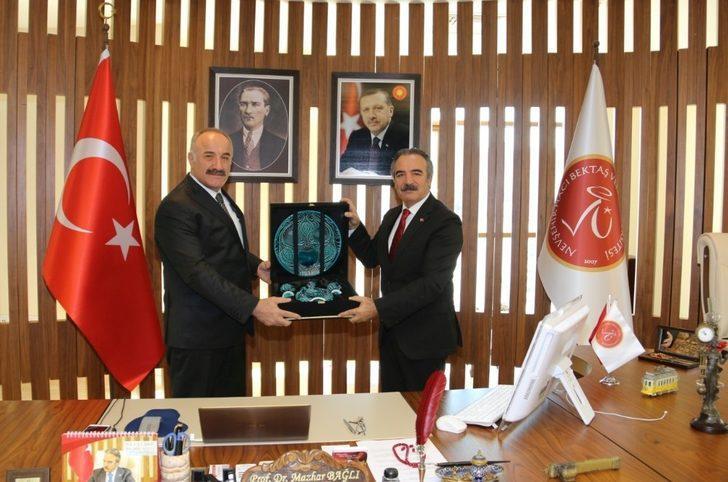 MGK Genel Sekreteri Hacımüftüoğlu'ndan Rektör Bağlı'ya ziyaret