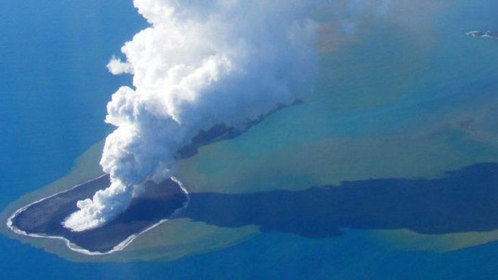 Yanardağ patladı! Bir ada battı, üç kat daha büyük bir ada doğdu