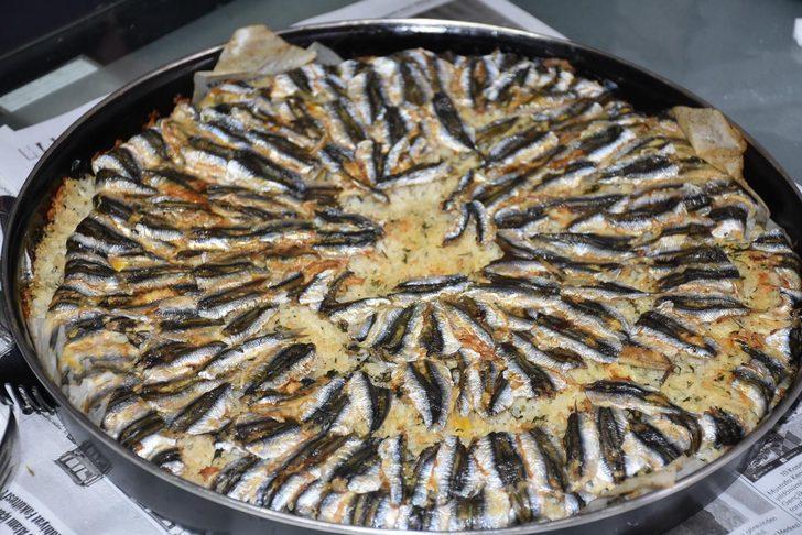Hamsili pilav tarifi: Karadeniz'in vazgeçilmez lezzeti hamsili pilav kalori oranı nedir?