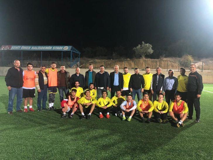 Başkan Yaman futbolcularla bir araya geldi