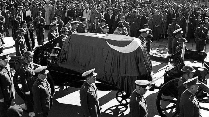 Atatürk'ün cenaze töreniyle ilgili belgeler 10 Kasım'da Anıtkabir'de ilk kez sergilenecek