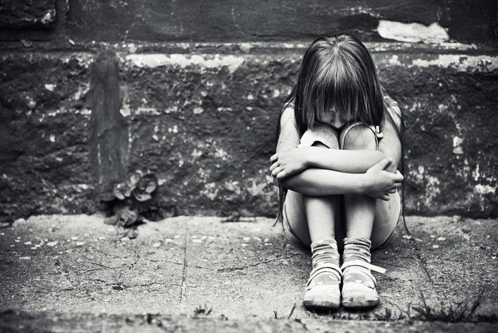 İtalya'da rahip, küçük kızı tacizden tutuklandı