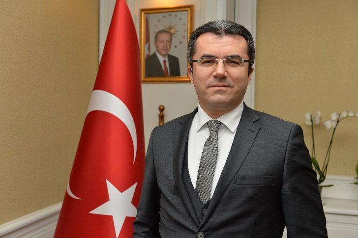 """Vali Memiş: """"Atatürk yalnızca Türk tarihi değil, dünya tarihi açısından da müstesna şahsiyetlerden biridir"""""""