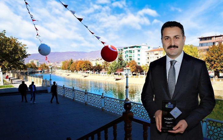 """Kanal Tokat'a """"çevre dostu şehir"""" ödülü"""