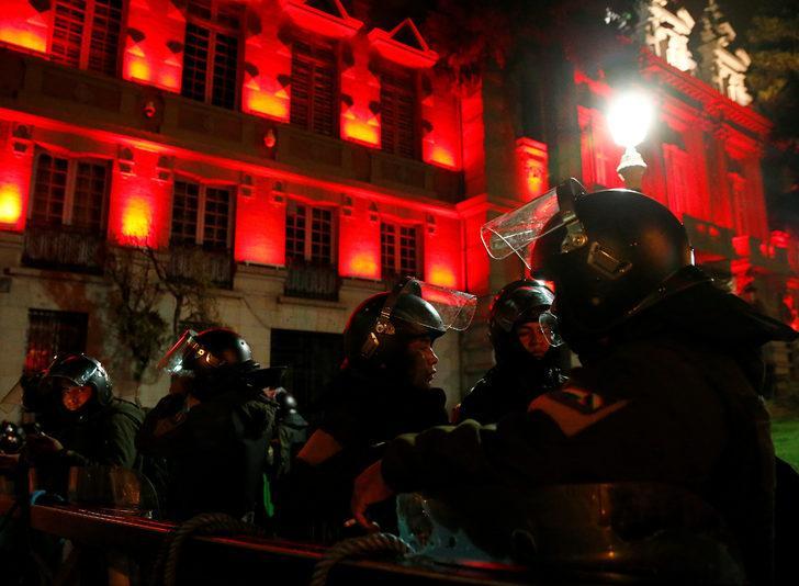 Bolivya Devlet Başkanı Morales, halkı darbeye karşı sokağa çağırdı