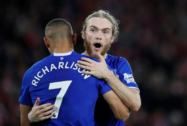 Cenk oynadı, Everton kazandı