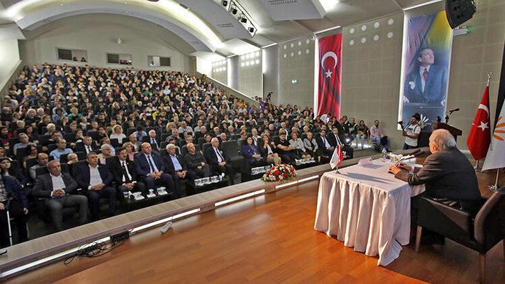 İlber Ortaylı Atatürk'ü anlattı, salonda oturacak yer kalmadı