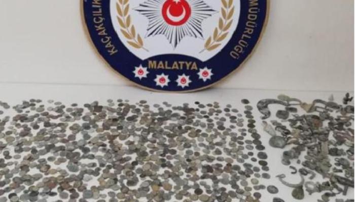 Malatya'da tarihi eser kaçakçılarına darbe!  2 bin 683 sikke ele geçirildi!