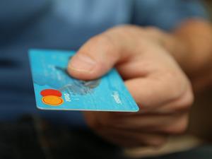 Kredi kartı sahipleri dikkat! İnternetten alışverişte kredi kartını korumanın püf noktaları   