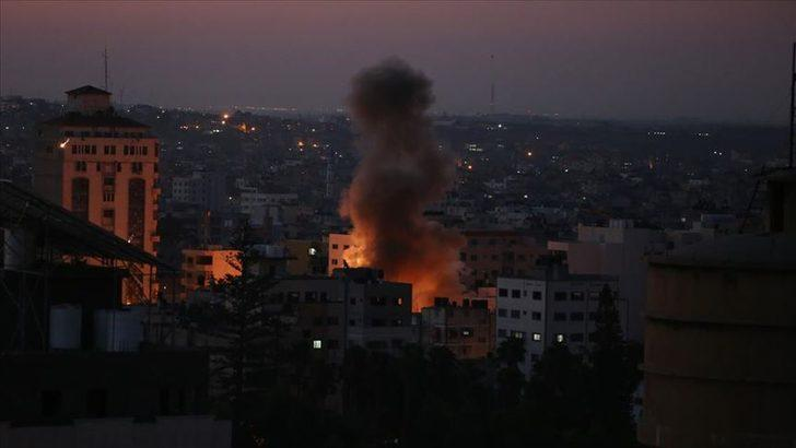 İsrail'in Filistin'e düzenlediği hava saldırılarında 7 kişi hayatını kaybetti