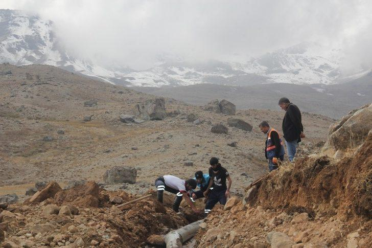 Hakkari'de eski su hatları tarihe karışıyor