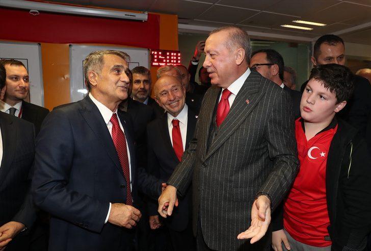 Erdoğan'dan millilere tebrik