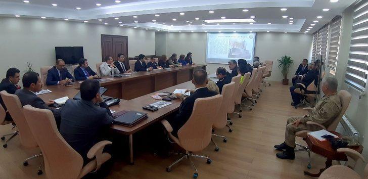 Ardahan'da karla mücadele toplantısı yapıldı