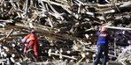Gaziantep'te çöken iskelenin altında kalan mühendis aranıyor