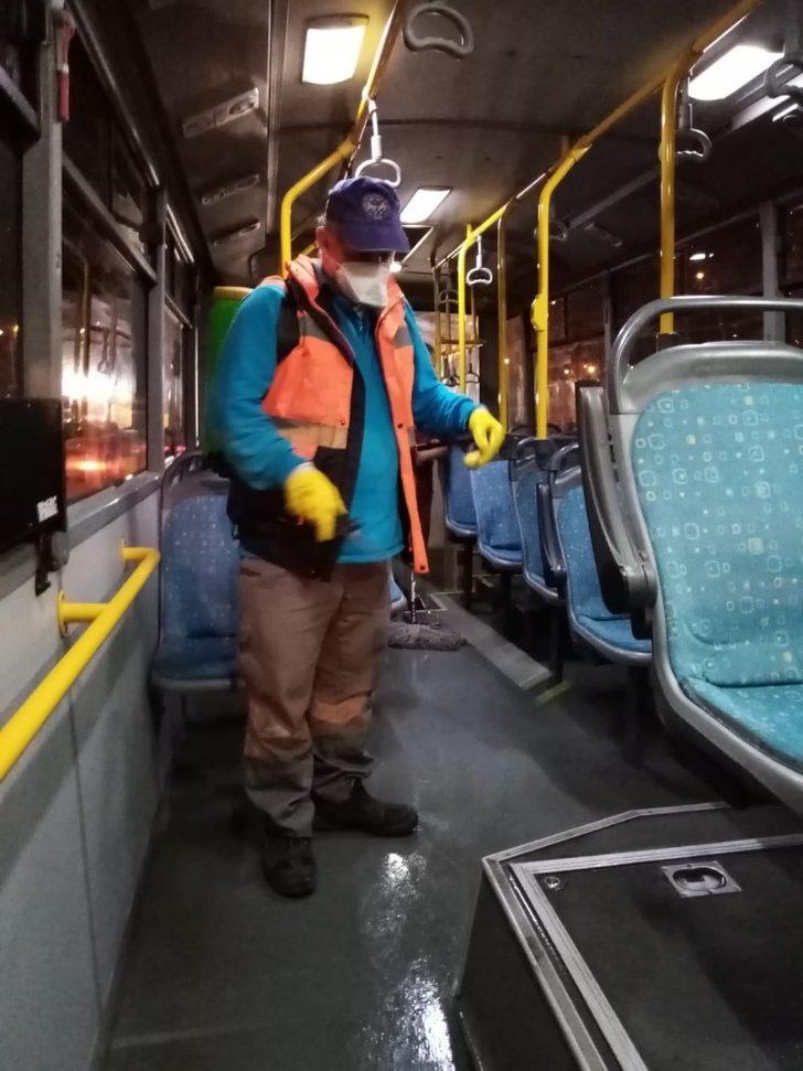 Belediye otobüslerinde dezenfekte mesaisi