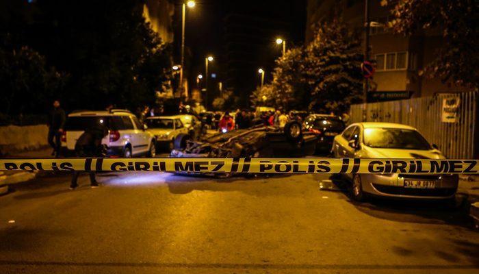 İstanbul'da polisten kaçan otomobil ortalığı savaş alanına çevirdi! Tam 6 aracı biçti!