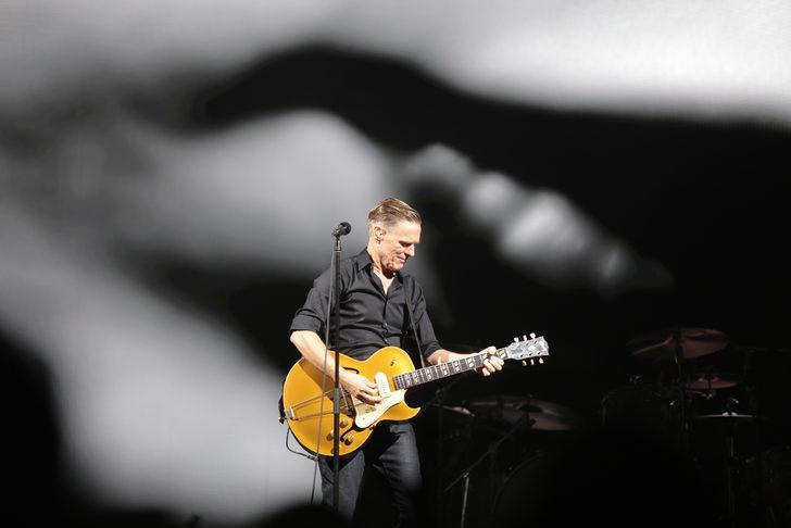 Bryan Adams 20 sene sonra İstanbul'da konser verdi