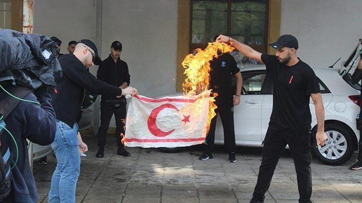 Fuat Oktay, KKTC bayrağının yakılmasını kınadı