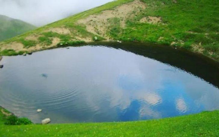 Altın seviciliği ve Dipsiz Göl