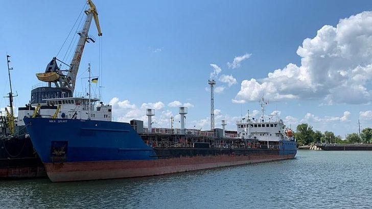 Rusya el koyduğu gemileri teslim etti