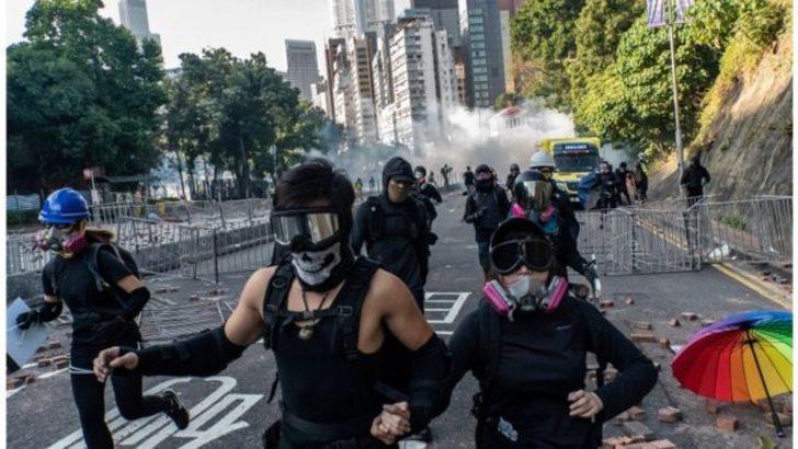 Gösteriler günlerdir durulmuyor! Hong Kong'da neler oluyor?