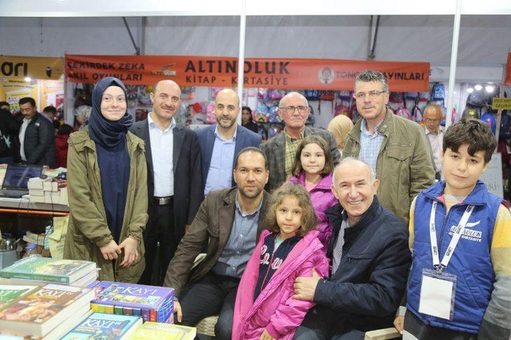 Niğde Belediyesi Kitap Fuarı Kitapseverlerle doldu taştı