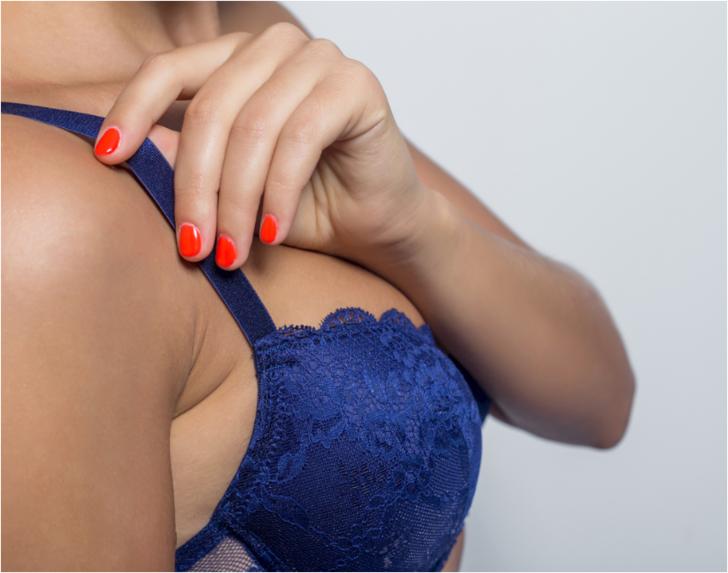 Çoğu kadın özeniyor ama büyük göğüsler sağlığı bozuyor