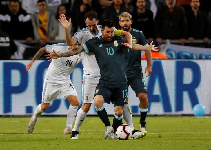 Burun buruna geldiler! 'Kavgaya var mısın Messi?'