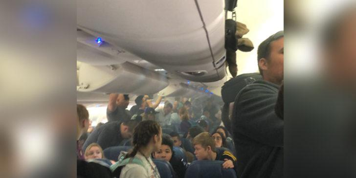 Yolcu uçağının içi duman doldu, uçuş iptal edildi