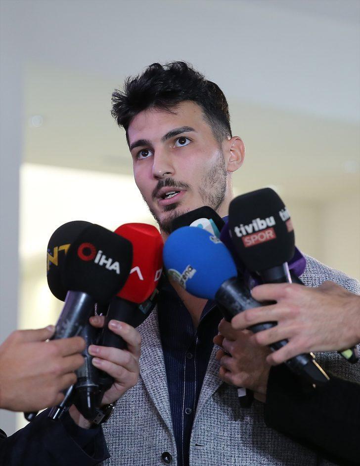 """Trabzonspor'un kalecisi Uğurcan Çakır: """"Her maçımızı kazanıp şampiyon olmak istiyoruz"""""""