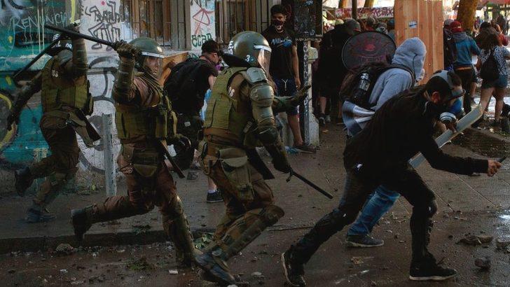 Uluslararası Af Örgütü: Şili'de güvenlik güçleri göstericilere gerçek mermiyle ateş açtı