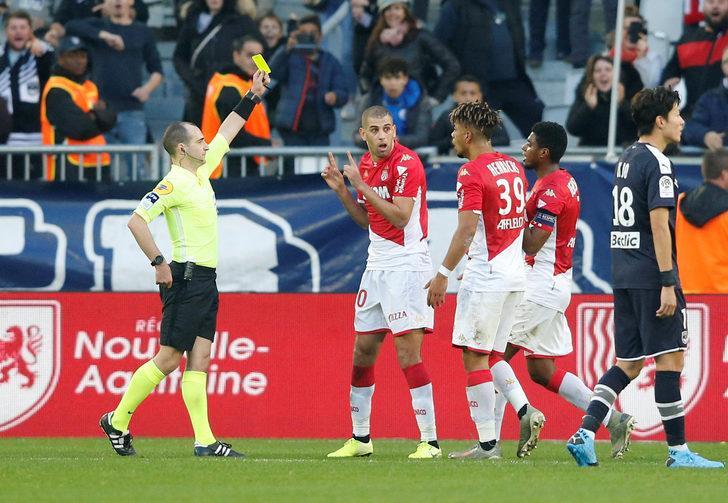 Slimani bu kez şoke oldu! Gol ve kırmızı kart...