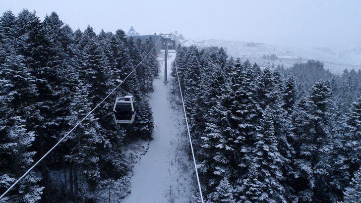 Uludağ'da sezona günler kala kar başladı, rezervasyonlar kilitlendi