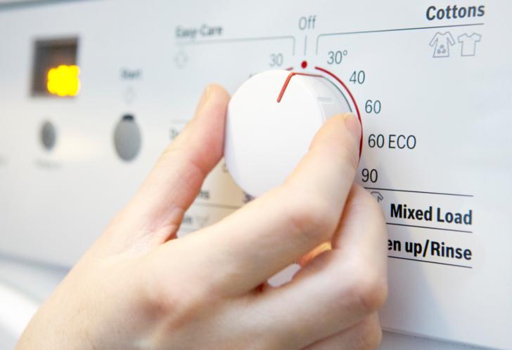 """Çamaşır makinelerinin """"enerji tasarruflu"""" programları mikrop yayabilir"""
