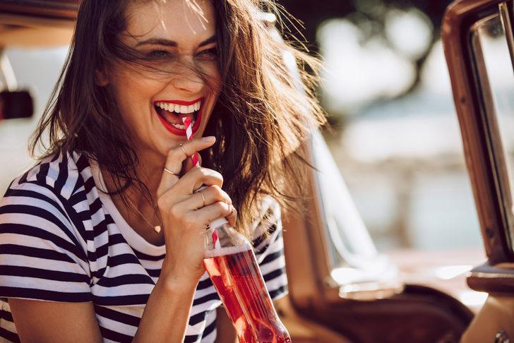 Dişlerin fark edilmeyen düşmanı: Asit erozyonu