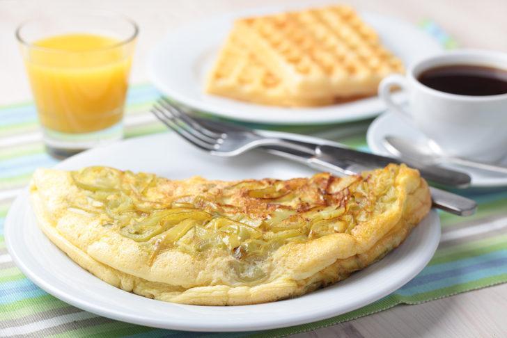 Omlet waffle tarifi