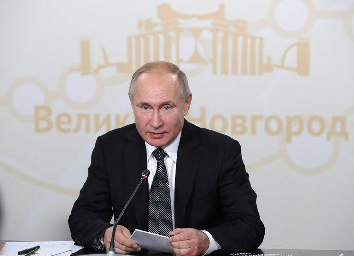 """Putin teknolojik cihazlarda """"yerli yazılım şartı"""" yasasını imzaladı"""