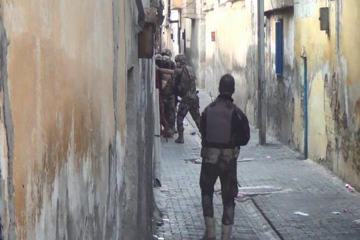 Şanlıurfa'da terör operasyonunda 2 tutuklama