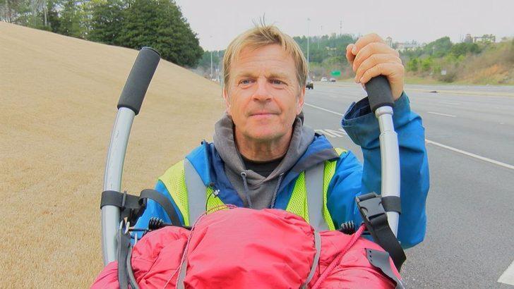 İngiliz yazar, 435 gündür yardım için yürüyor