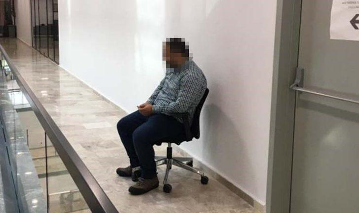 Kendisini görüp ayağa kalkmayan çalışana ceza veren Güngören Belediye Başkan Yardımcısı Veysel İpekçi istifa etti