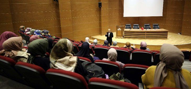 Prof. Dr. Akbaş öğrencilerle söyleşi gerçekleştirdi