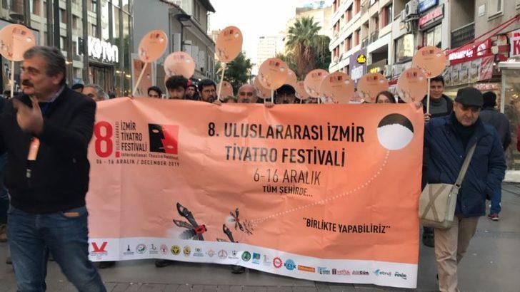 İzmir Tiyatroya Doyacak