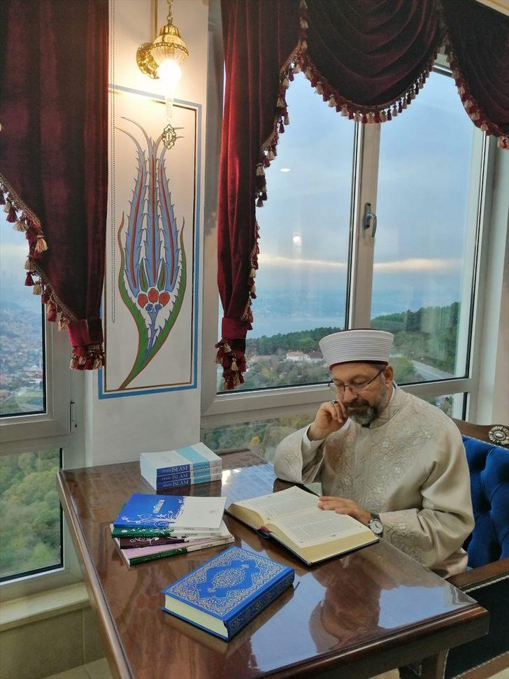 Diyanet İşleri Başkanı Erbaş, Beykoz Karlıtepe Merkez Camisi'ni ziyaret etti