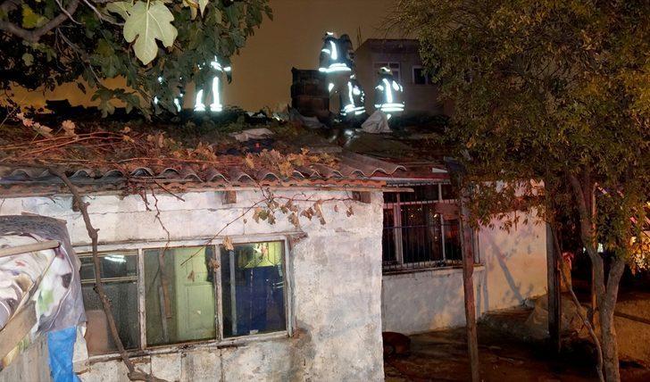 Başakşehir'de evde çıkan yangında mahsur kalanlar kurtarıldı